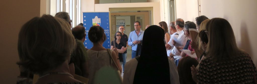 Inaugurato lo Sportello per il Volontariato a Bisceglie - Assessore Roberta Rigante, Presidente CSVSN Rosa Franco, Sindaco Angeloantonio Angarano