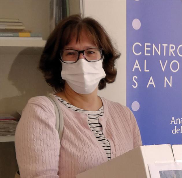 Cinzia-Clarino-Gruppo-Interforze-OdV-Consegna-Box-Libri-CSVSN-Giunti-2020-